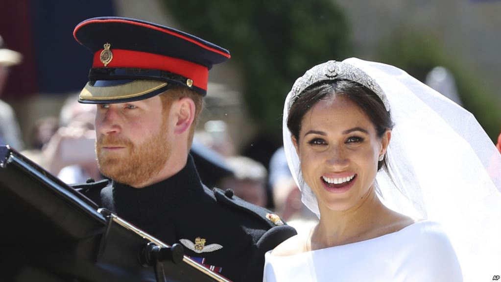 Meghan Markle and Prince Harry leave St George\'s Chapel at Windsor Castle after their wedding PRESS ASSOCIATION Photo. Picture date: Saturday May 19, - قوانینی که عروس جدید خانواده سلطنتی باید رعایت کند؛ امضا، سلفی و شبکه مجازی ممنوع شد by mohsen dehbashi